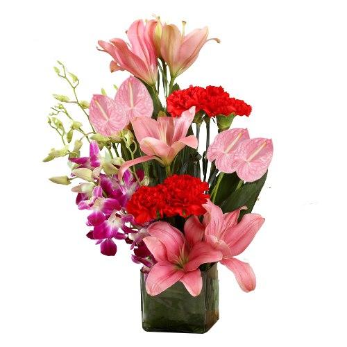 Delicate Arrangement of Pink N Purple Shade Flowers