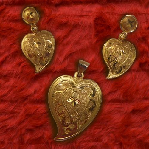 Marvelous Heart Shaped Gold Tone Metal Earrings and Pendant Set