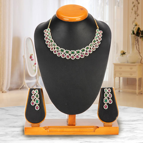 Luxuriant Necklace with Earrings Set