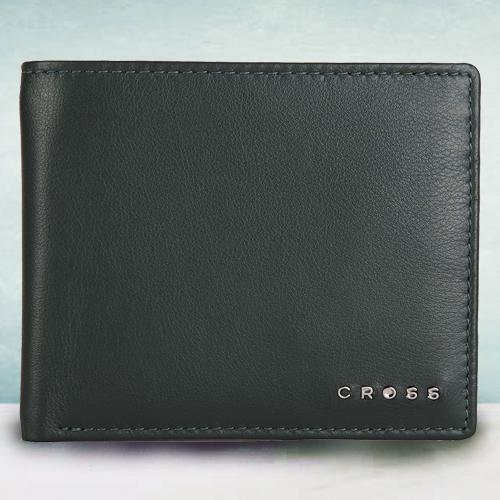 Mesmerizing Green Mens Leather Wallet from Cross