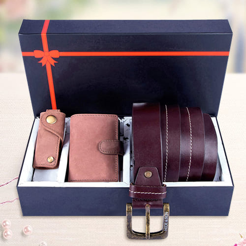 Stylish Hide and Skin Leather Mens Card Holder, Belt N Keychain