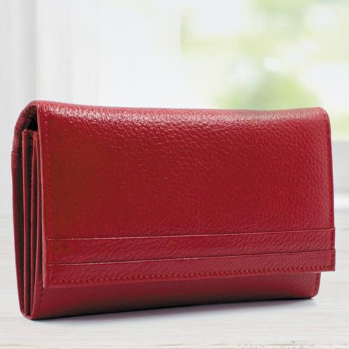 Smashing Red Color Leather Handbag for Her