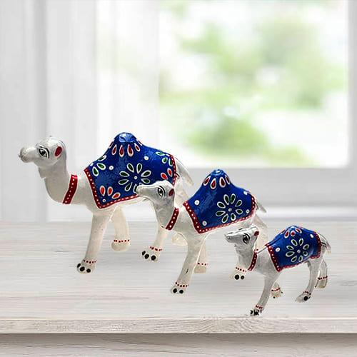 Remarkable 3pc Camel Showpiece Set