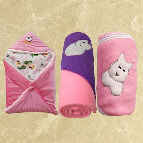 Attractive Fleece Hooded Blanket for New Born Babies