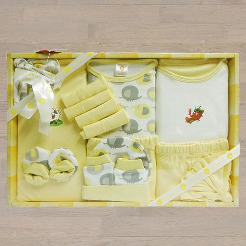 Attractive Gift Set of Cotton Clothes for New Born Baby