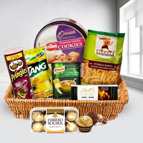 Remarkable Snacks Gift Basket