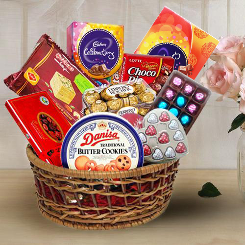 Sweet Treat Chocolates Gift Basket