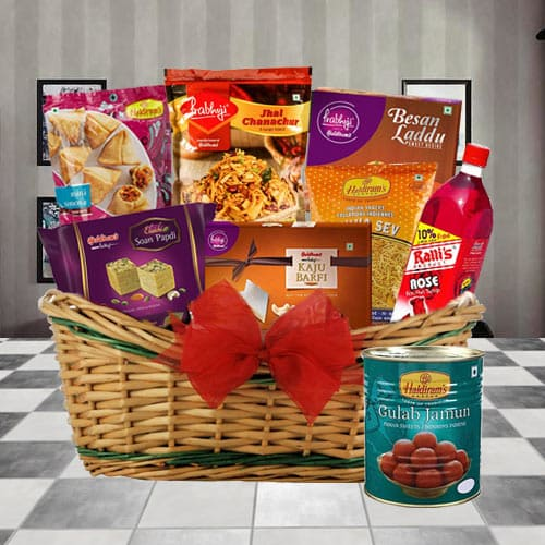 Brilliant Snacks Gift Basket