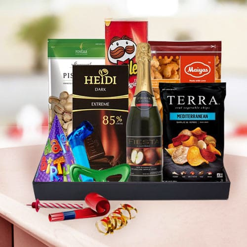 Remarkable Gourmet Treat Gift Basket for Birthday Celebrations<br>