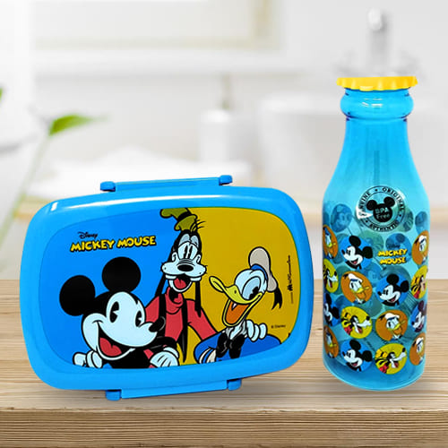 Attractive Disney Mickey Mouse n Water Bottle Set