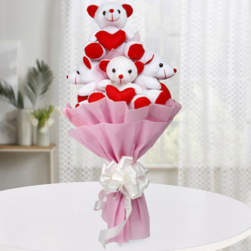 Remarkable Bouquet of Teddy with Hearts