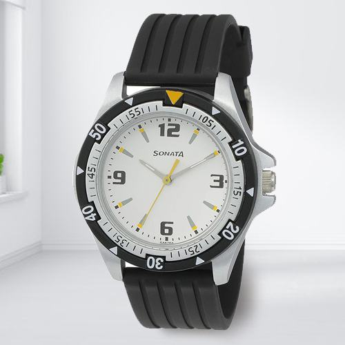Impressive Sonata Super Fibre Analog Mens Watch