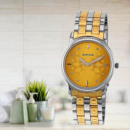 Stylish Sonata Analog Champagne Dial Mens Watch
