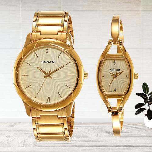 Striking Sonata Analog Beige Dial Couple Watch